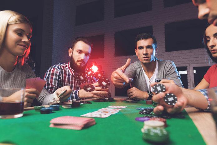 Блеф за покерным столом